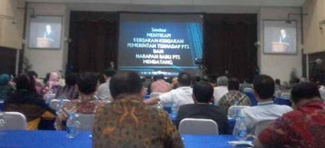 Seminar Menyikapi Kebijakan-kebijakan Pemerintah Terhadap PTS
